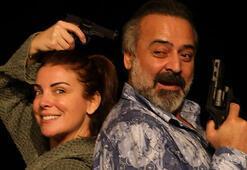 Özge Özberk 4 yıl sonra tiyatro sahnesinde