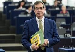 Nigel Farage, İslam karşıtı çizgiye kaydığı gerekçesiyle partisinden istifa etti