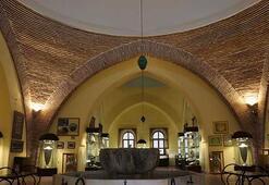 Çini tarihine ışık tutan müze: Kütahya Çini Müzesi