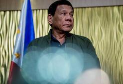 Filipinler lideri Duterte, cinsiyet eşitliği etkinliğinde kadınlara küfretti