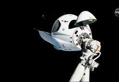 SpaceXin Crew Dragon kapsülü uzay istasyonuna ulaştı