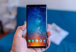 Samsung çentikli ekran tasarımına geçiyor