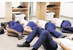 Uyudukları için işten çıkarıldılar