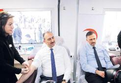 Bakan Gül'den Öykü için kök hücre bağışı