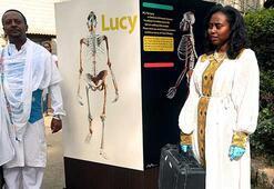3,2 milyon yıllık kadın iskeleti barış için sergilendi