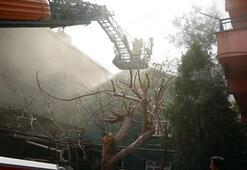 Pendik'te binanın çatısında yangın 1 kişi yaralandı