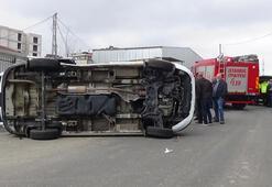 Sancaktepede minibüs devrildi Çok sayıda yaralı var