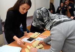 Son dakika... Türkiye sandık başında Oy verme işlemi başladı