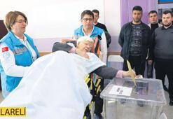 Engelli ve hastalara seyyar sandık hizmeti