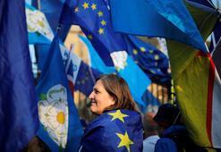 İngiltere Parlamentosu dört Brexit senaryosunu reddetti