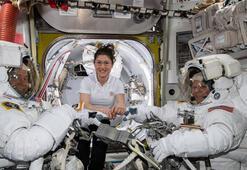 İki kadın astronotun ilk uzay yürüyüşü kıyafet sıkıntısı nedeniyle iptal edildi
