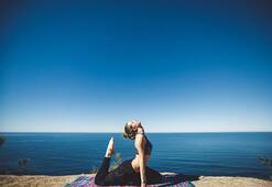 Yoga yapmak kanser tedavisini olumlu etkiliyor