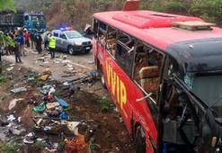 Ülke şokta Otobüs kazasında 60 ölü