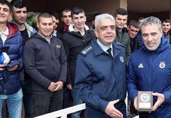 Subaylar Fenerbahçenin antrenmanını izledi