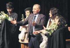 Ege'nin en büyük şehir  tiyatrosu Denizli'ye