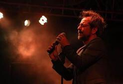 Sanatoryum şarkısı hangi sanatçıya aittir 26 Mart Müzik Gecesi soru ve cevabı