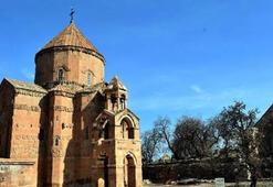 Akdamar Kilisesi hangi yüzyılda inşa edilmiştir