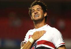 Alexandre Pato, Sao Pauloya imzayı attı