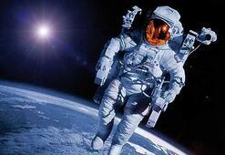 Mike Pence, astronotların Aya gönderilmesi çağrısında bulundu