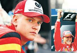 Mick Schumacher Ferrari testinde