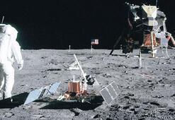 Ay'a inen ilk astronotlar: Yolculukta tutulan notlar