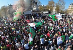 Cezayirliler Buteflikadan sonra Üç B gitmeli sloganıyla sokağa iniyor