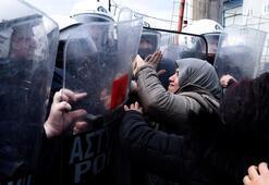 Yunanistanda göçmen protestosu