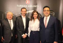 Tarihe veda Atatürk Havalimanından son tarifeli uçak hareket etti