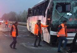 Son dakika | Sakaryada yolcu otobüsü devrildi Çok sayıda yaralı var
