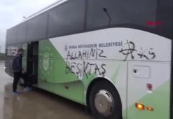 Bursaspor otobüsüne çirkin saldırı