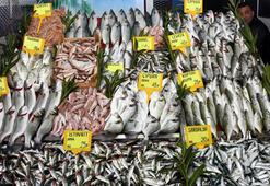 Av yasağı öncesi balık tezgahları dolu