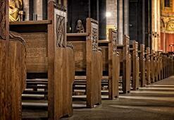 İspanyada dindar Katoliklerin sayısı azalıyor