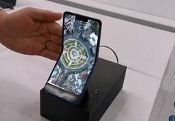 Sharpdan dikey katlanabilir telefon hamlesi