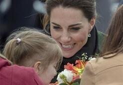 Prens William Katei hamileyken aldattı