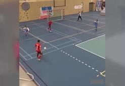 Futsal maçında organize gol