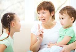 Aşırı baskıcı ve koruyucu anne çocuk ilişkisi sağlıklı değil