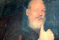 Ekvador lideri Moreno: Assange elçilik binasını casusluk merkezine dönüştürdü