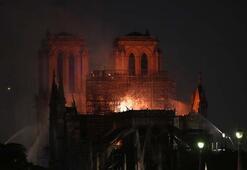 Notre Dame Katedrali için dünya ayaklandı İşte o mesajlar...