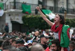 Son dakika... Cezayirde beklenen istifa