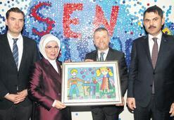 Dönüşüm Sergisi'ni Emine Erdoğan açtı