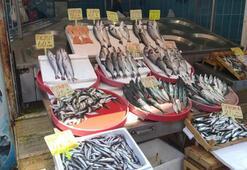 Av yasağı nedeniyle tezgahlardaki balık fiyatları yükseldi