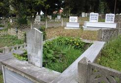 Orduda yönleri farklı mezarlar şaşırttı