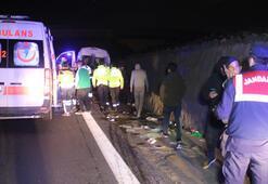 Bursaspor taraftarlarını taşıyan minibüse TIR çarptı: 10 yaralı