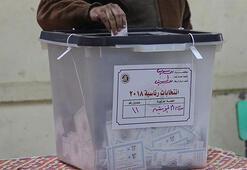 Mısırda halk Anayasa referandumu için sandık başında