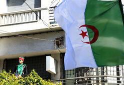 Cezayirde cumhurbaşkanı seçimi için 24 adaylık başvurusu