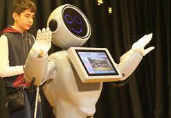 Yerli robot ADA: Robot Sofiadan daha zekiyim