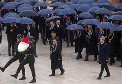 AYM Başkanı Arslandan Anıtkabire ziyaret