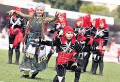 Bodrum'da halk dansları büyüledi