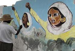 Sudanlı gençler duvar resimleriyle devrimi anlatıyor