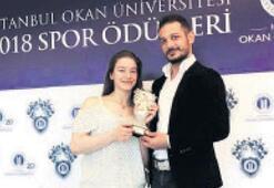 Yılın sporcusu ödülü Ayşe Begüm'e